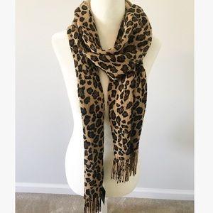 Accessories - • cheetah print scarf •